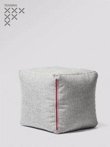 Pufa Cube G szara z czerwonym zamkiem tkanina